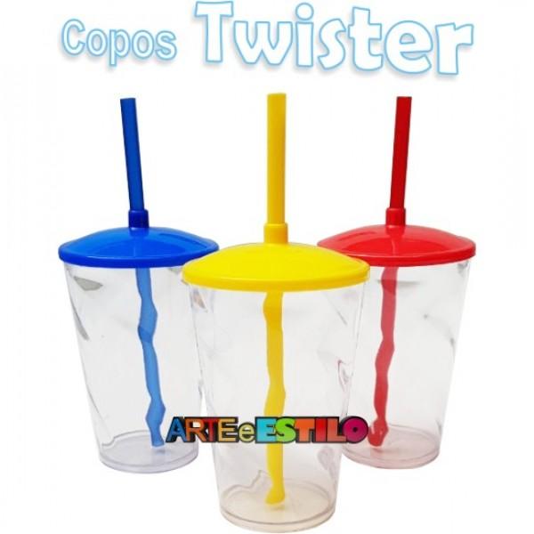 100 Copos Shake Twister Transparente com tampa e Canudo - 500 ML - Só R$2,49
