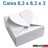 50 Caixinhas Brancas 6x6x4 modelo Coração para docinhos, bem casados, lembrancinhas
